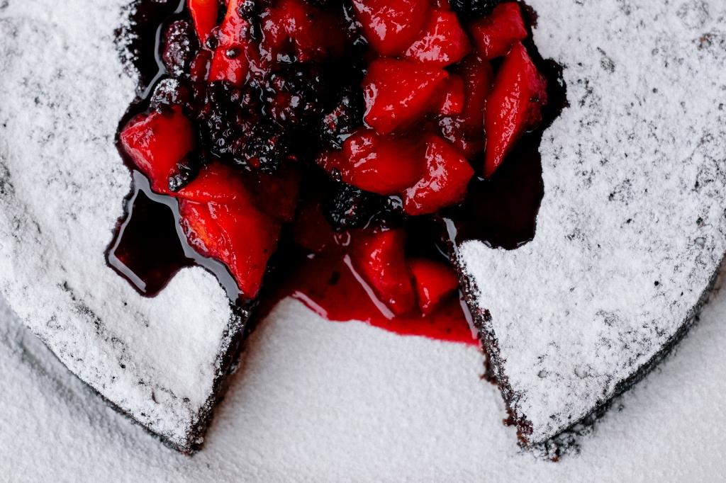 čokoladna torta-1.jpg